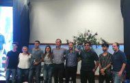 Premió a los ganadores de MATE en la Universidad de Córdoba