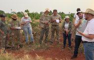 Capacitan a técnicos para retener el agua de lluvia en las chacras y evitar la erosión del suelo